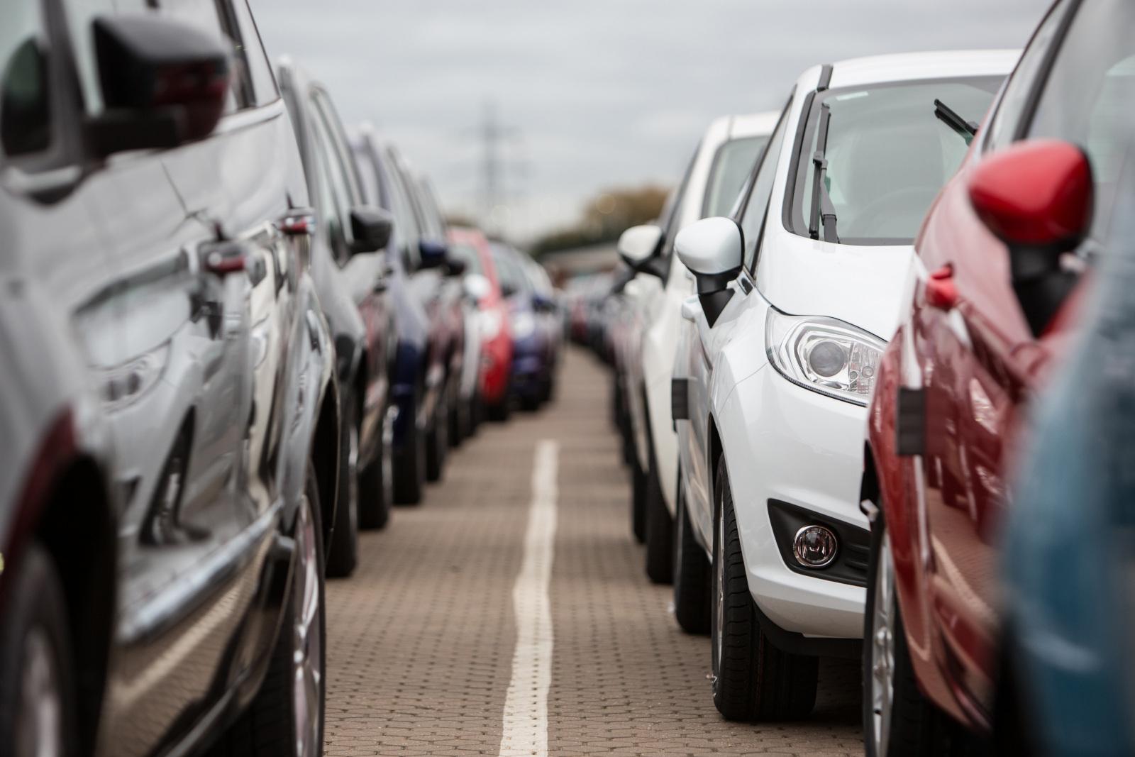 В какое время года лучше продавать автомобиль?